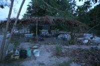 Kasvihuone Tansanian tyyliin. Täällä vapaaehtoiset istuttavat kasveja, joista koko yhteisö saa itselleen taimia.